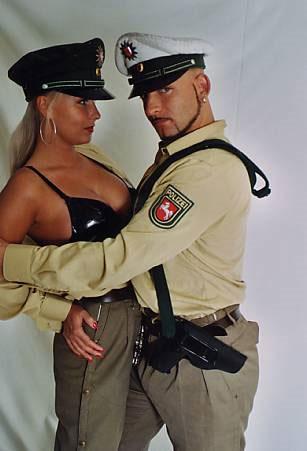 Strippende Polizist